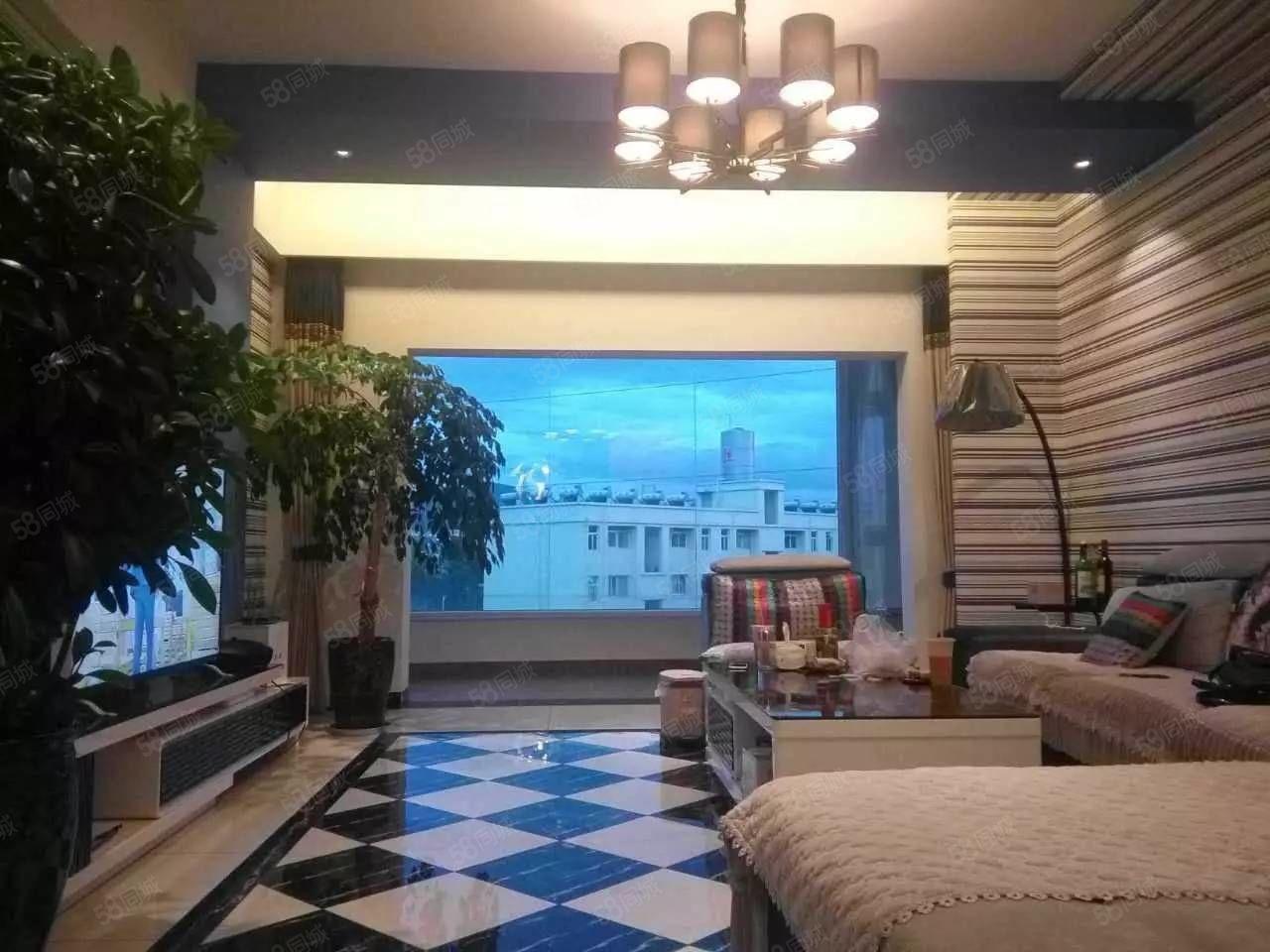 山水佳园和园叠加别墅3面朝向6室3厅3卫1厨6500元