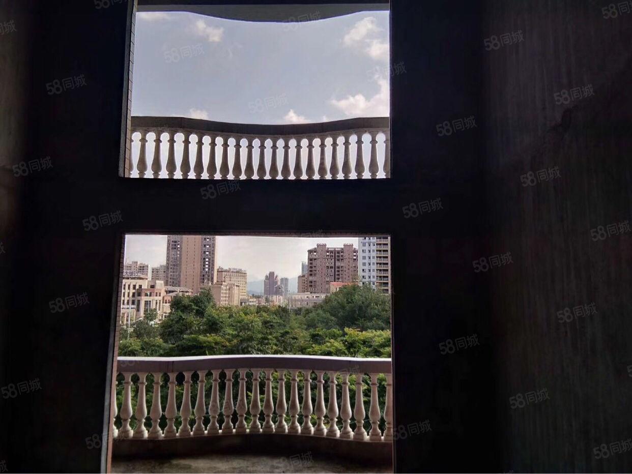 市政府天虹商圈水晶城复式洋房,客厅朝公园,客气超好