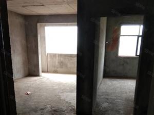 诺贝尔小区、临川一中学位房、楼层和阳光都好、房东诚心出售