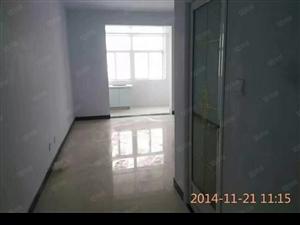 澳门星际网址鼓楼广场5楼,有独立卫生间,有橱柜