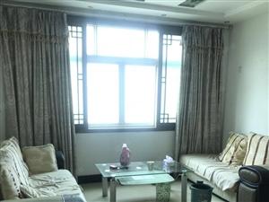 名泉小区三室两厅家电齐全二楼八百每月