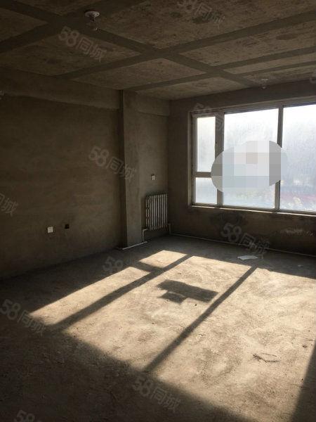 海逸半岛一楼带阳光房+仓房