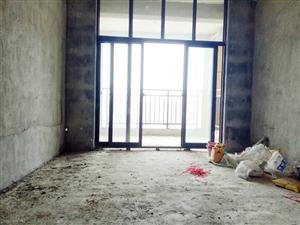 电梯新房高绿化小区中间楼层小3房出售