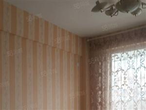 交易城单身公寓出租家电齐全高楼层,采光好,视野好!!