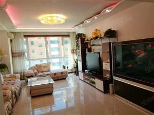急售望湖花园小高层4楼,142平精装修,标准格局三室一厅一卫