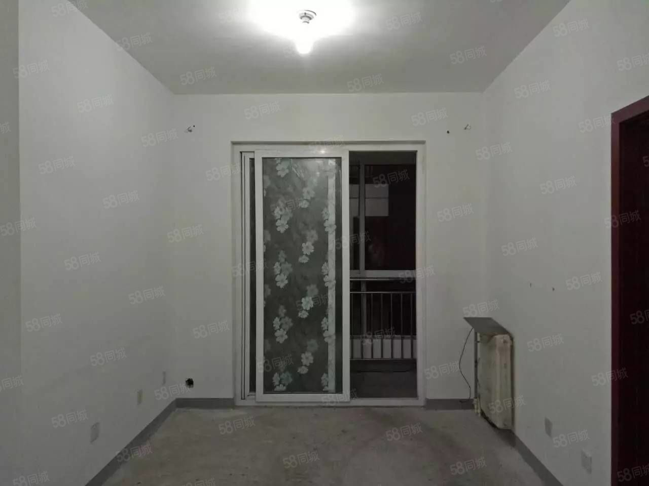 锦绣枣园一室一厅简单装修拎包入住每月900