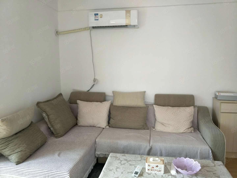 垂柳路南段,一室,家具家电齐全,可拎包入住。
