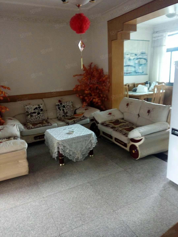 诸葛小区三组团2室带全套家电家具澳门金沙平台,拎包入住。