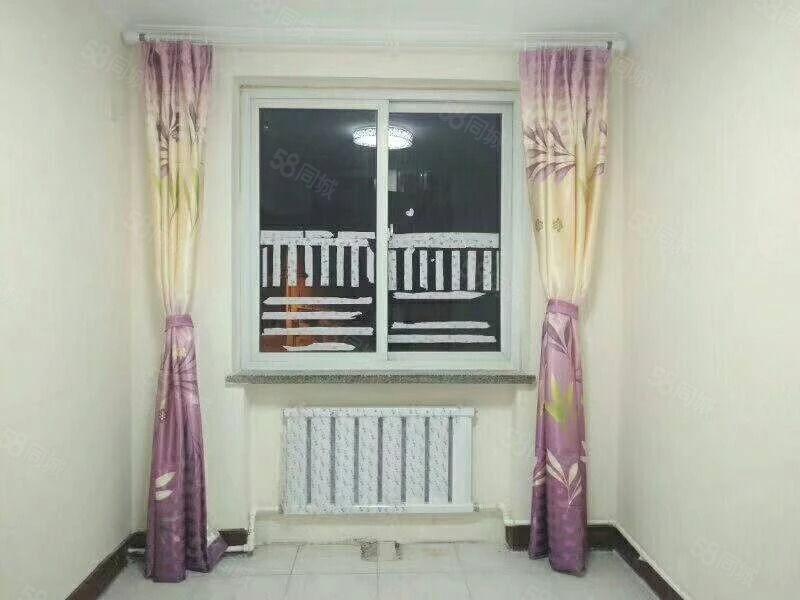 财校家属院两室一厅一位精装下房老本