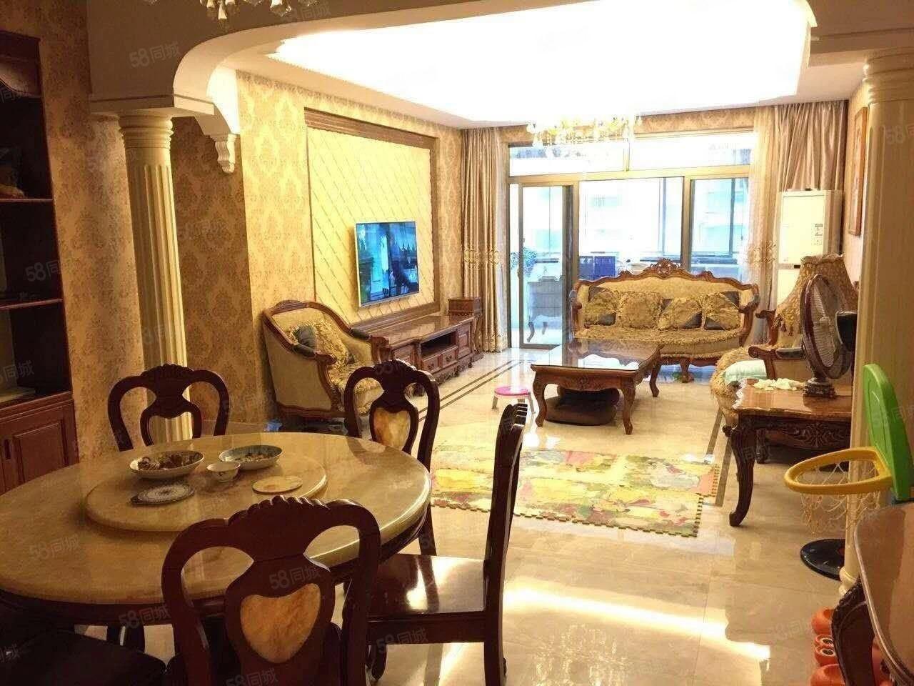 万达商圈东湖御景单价一万一买精装大三房大阳台房子如照片