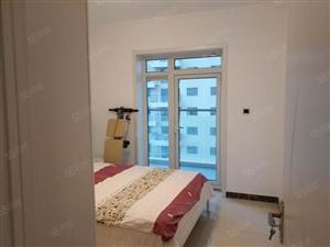 实创两室精装带家具房出租