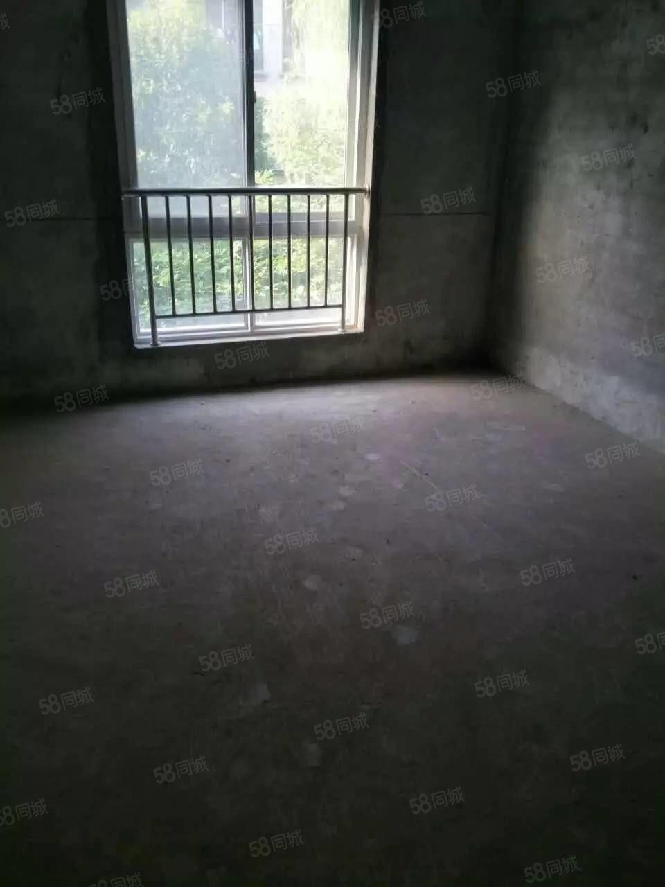 景秀北城,标准三房,房东急用钱赔钱出售,随时看房,急卖
