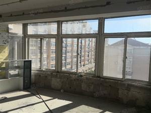 实华园清水六楼带阁楼,大开间好采光大阁楼还有仓房奉送。