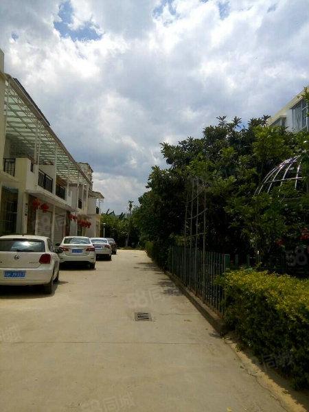 金色水车精装复式楼急售带私家车位送120平米私家阳台满5