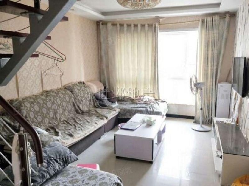 龙腾御锦精装温馨复式两房生活休息分区明显拎包入住