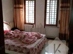 东泰花园1300元2室2厅1卫精装修小区安静,出租