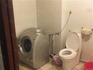 万通公寓三室一厅中等装修年付押一