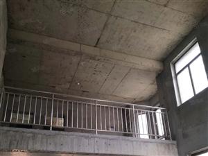 北城新区澜泊湾3期别墅380平五室三厅三卫,挑高客厅690万