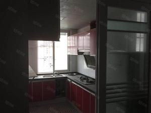 大北门精装三室两厅出售,带家具家电,两证齐全,可按揭