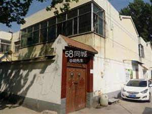 金宇路姜楼小区,附高旁边7室2厅2卫,停车方便,车位充足