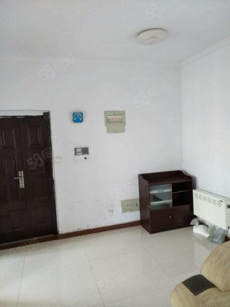 托斯卡纳三室两厅出租,小区环境优美,生活设施齐全