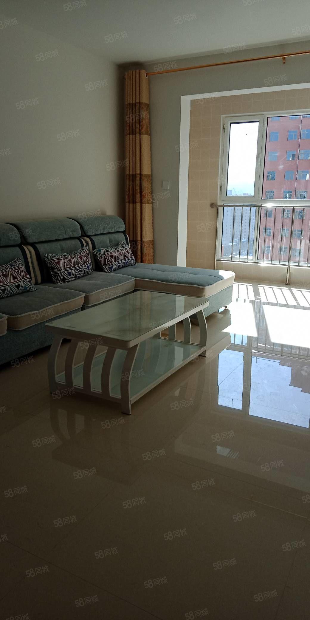 雁门小区精装房出租,118平米,高层,一个月1200元,