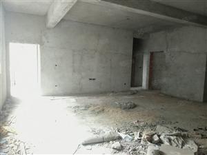 龙珠路大4房2厅2卫,中间楼层,采光极好,居住很舒适