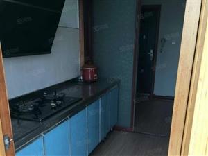 老六中清真寺小区6楼两室一厅1000元精装2台空调壁挂炉实照