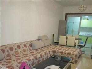 回风紫金时代附近三室二厅家具家电齐全。