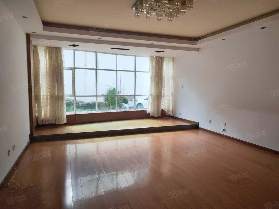 好房出租,居住舒适,景观小区2500元4室2厅2卫精装