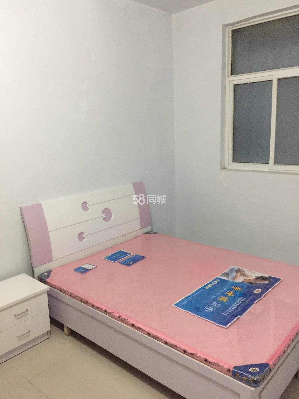 八一路眼科医院对面一室一卫空调光纤安全干净1室0厅1卫