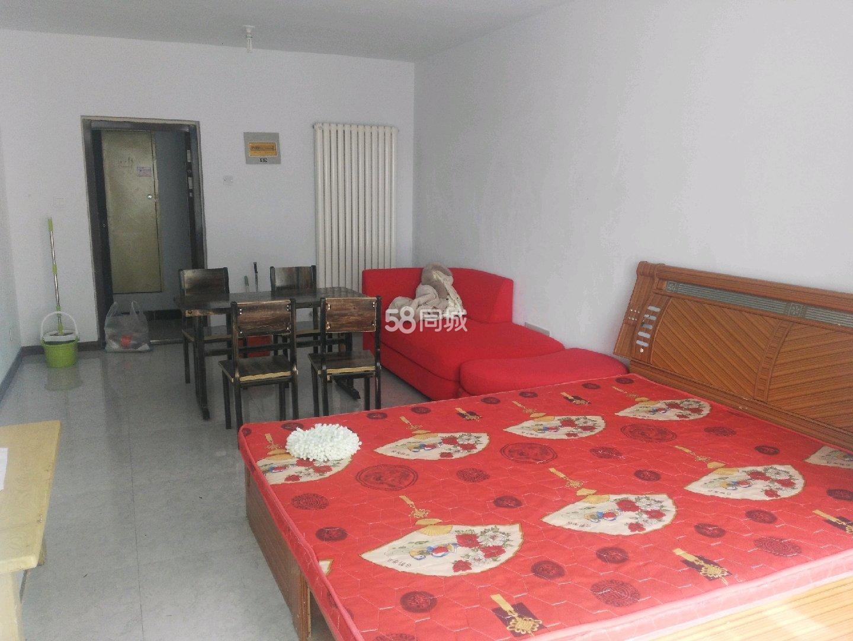 伊滨区福民工程十号小区1室1厅1卫