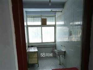三里桥新区1室1厅1卫