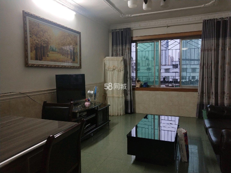 三江公园旁3室2厅1卫