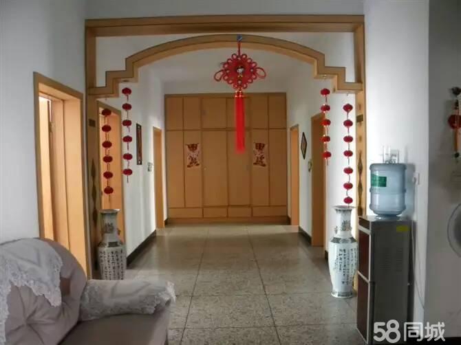 东泰装饰站4室2厅2卫