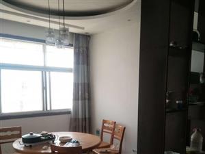 九宫格火锅隔壁3室2厅有储藏室