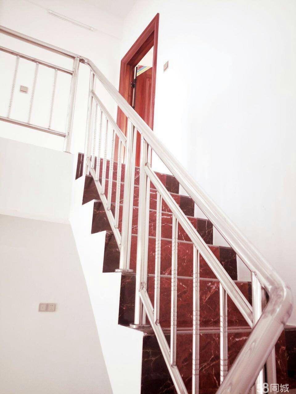 大学生公寓5室2卫3厅