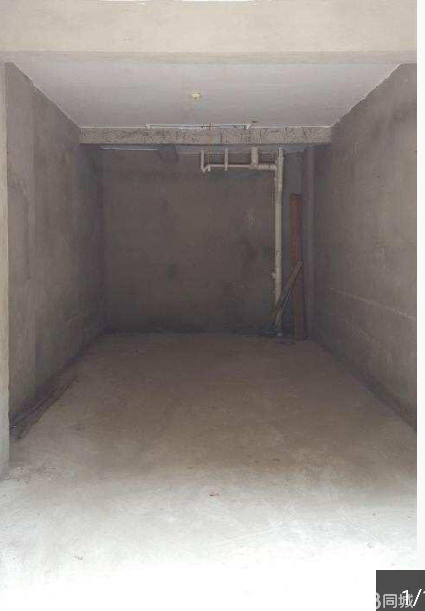 龍興家園建工一號樓車庫出賣