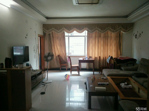 新广场3室2厅2卫122平米