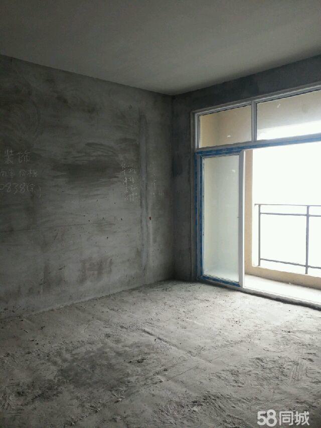 龙鹏世纪城3室2厅2卫新房急售