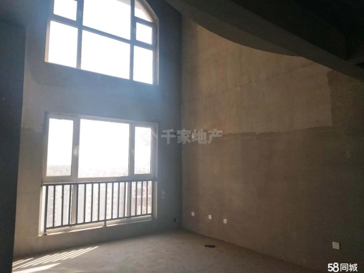 金岸�t堡4室2�d2�l