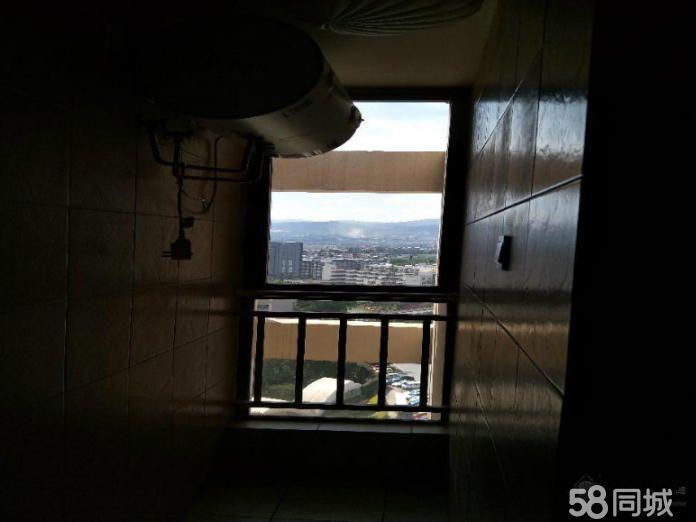 一中对面湖畔知城精装2室带家具1400元/月