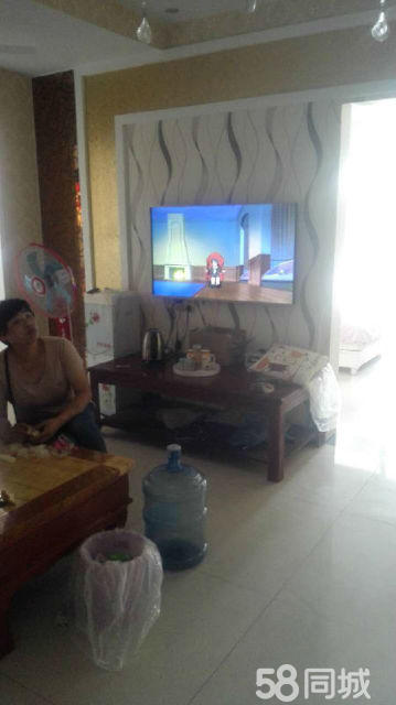 永乐花园3室1厅120平米精装修半年付