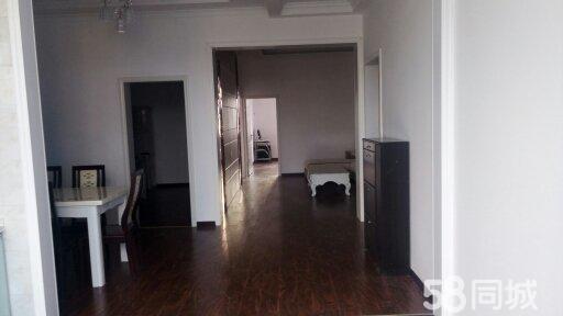 大富豪附近6楼急售3室118m2