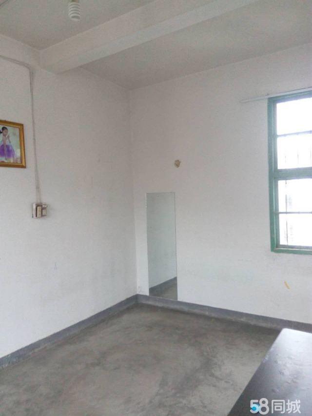 北峰路集资建房2室65m2(加11平米的杂物间)