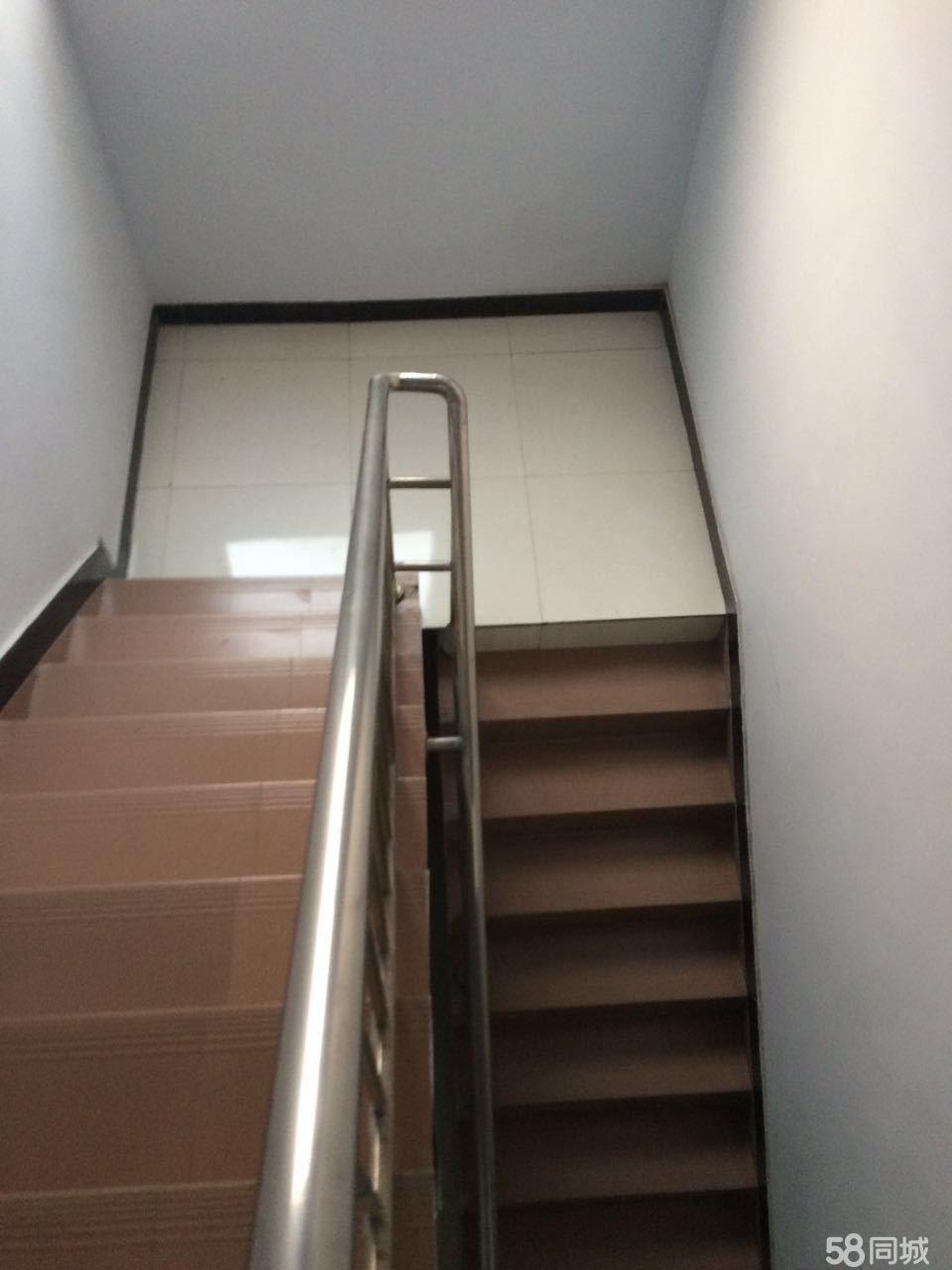 北门水都豪庭4室3厅4卫230平米精装修年付