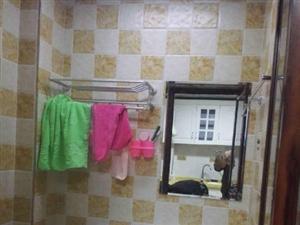 临川凤凰城1室1厅45平米精装修押一付三