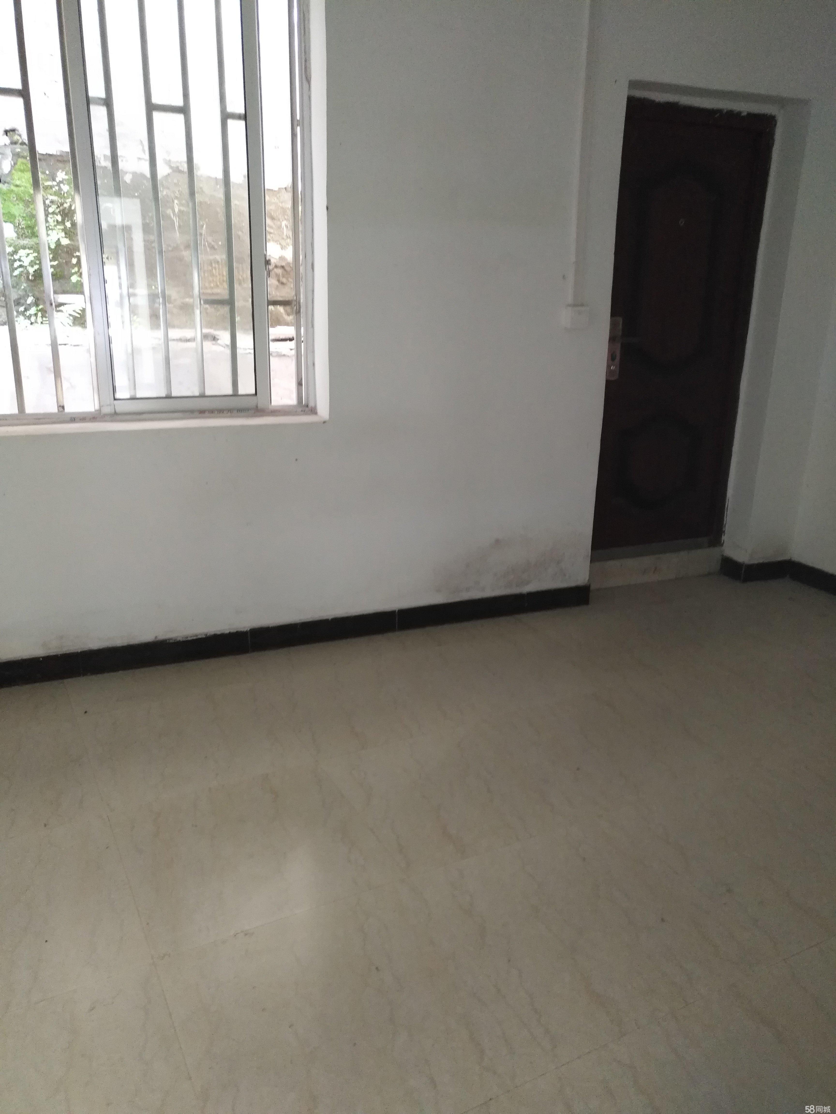 纳溪东门口4室2厅110平米简单装修半年付