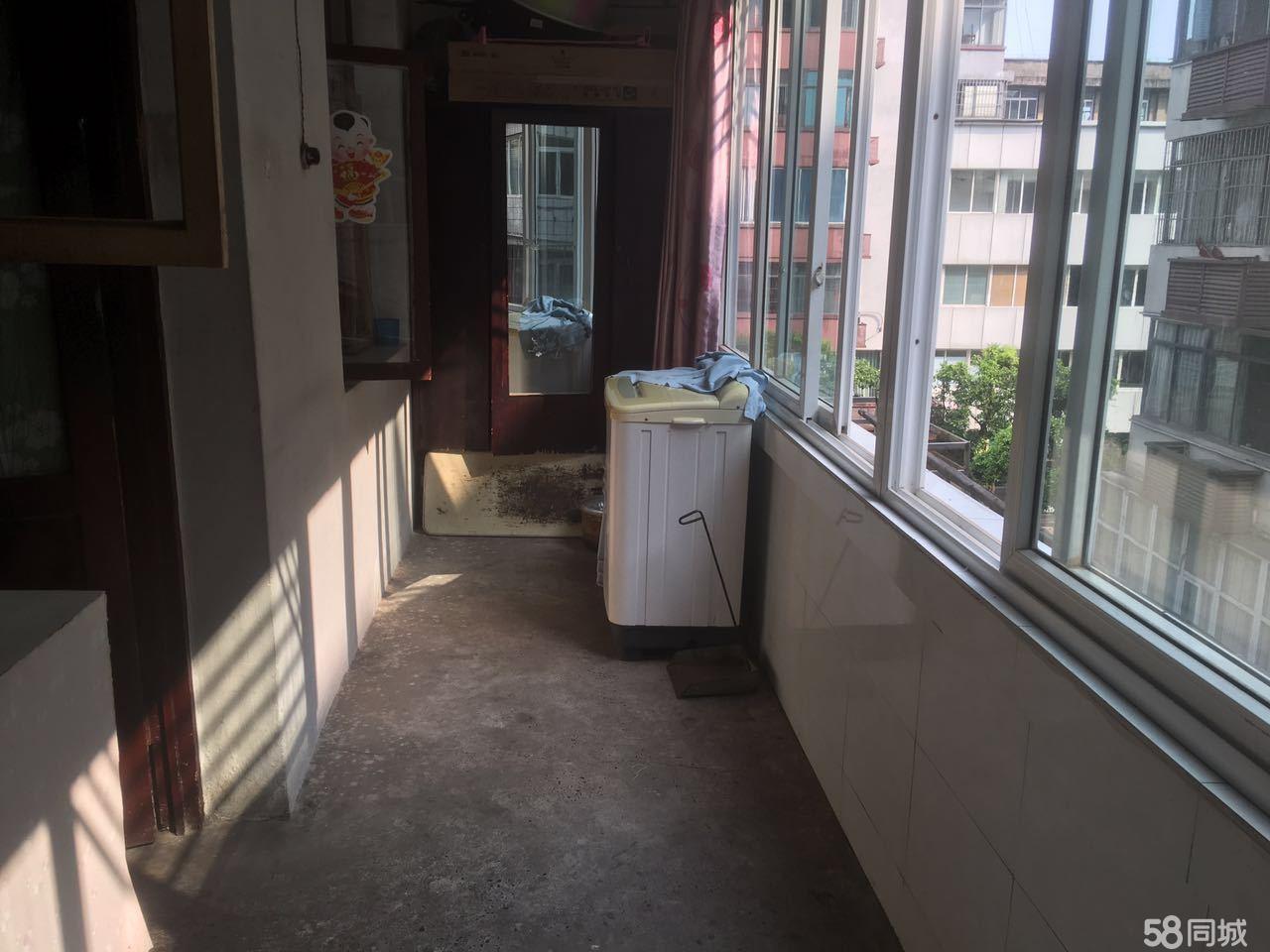 南广路房折黄金2楼1室1厨1卫