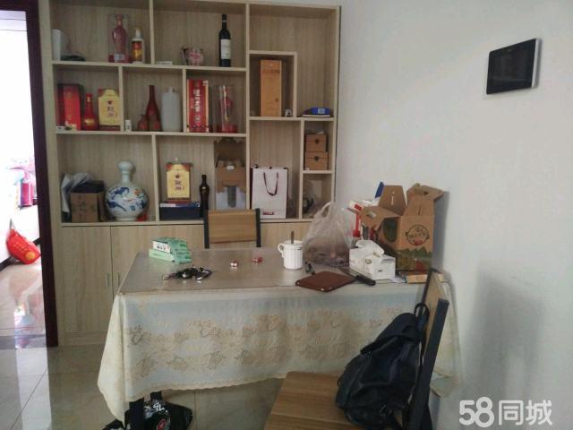 精装2室2厅1卫1阳台竹海大道沿线出行方便